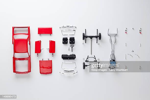 parts of a model car - parte de fotografías e imágenes de stock