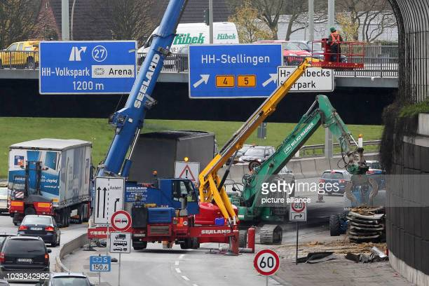 Parts of a noise barrier are disassembled on the A7 highway north of Kieler Street in the neighborhood of Stellingen in the borough of Eimsbuettel in...