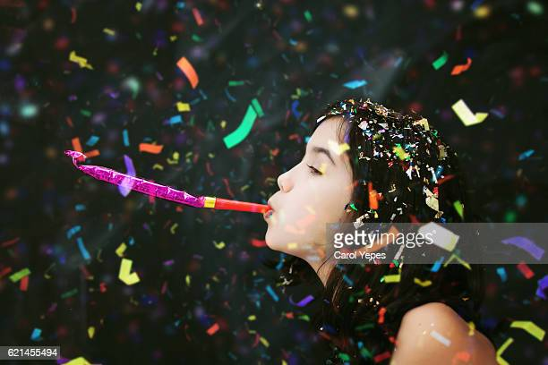 party confetti girl - party blower stock pictures, royalty-free photos & images