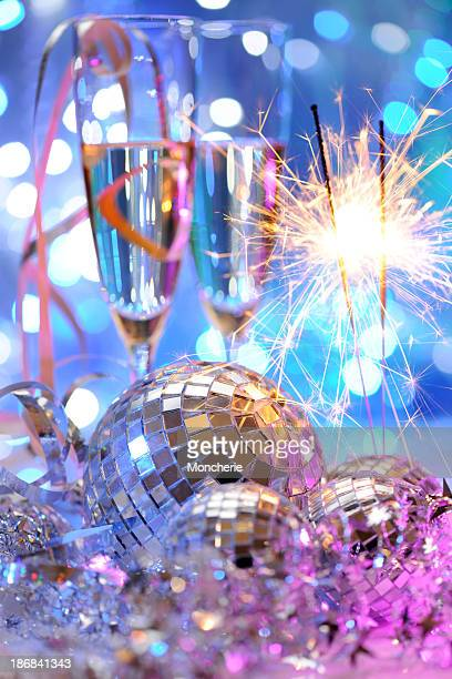 Party-Dekoration mit disco-Bälle und eine Wunderkerze
