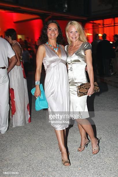 Partygirl Gitta Saxx Und Designerin Sonja Kiefer Bei Wir Lieben Kino Director'S Cut Party Auf Der Praterinsel In München Am 210608