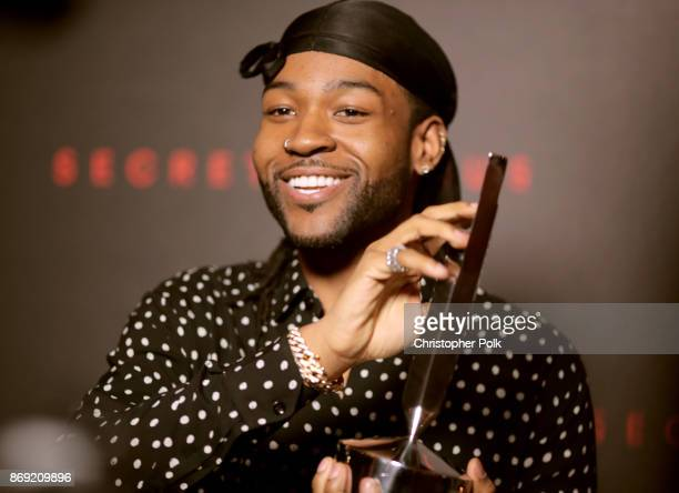 PartyNextDoor poses with the Secret Genius RB award during Spotify's Inaugural Secret Genius Awards hosted by Lizzo at Vibiana on November 1 2017 in...