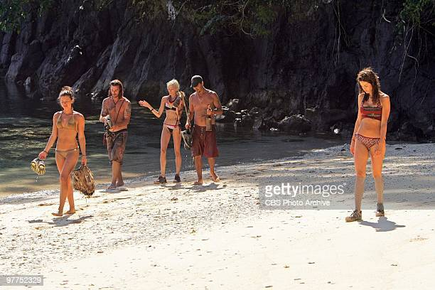 Parvati Shallow Benjamin Coach Wade Courtney Yates Rob Mariano and Danielle DiLorenzo during the fifth episode of SURVIVOR HEROES VS VILLAINS...