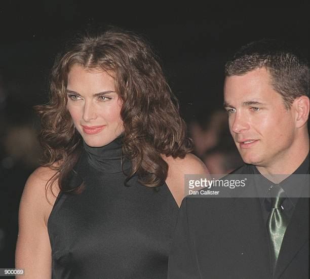 Pasadena CA 'Suddenly Susan' stars Brooke Shields and David Strickland at at the 25th Annual People's Choice Awards Photo by Dan Callister Online USA...