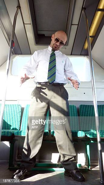 PASCAL BASILIO CHAUFFEUR RATP LE JOUR CHANTEUR DE RAP LA NUIT Pascal Basilio chauffeur de bus en banlieue parisienne sur la ligne N°368...