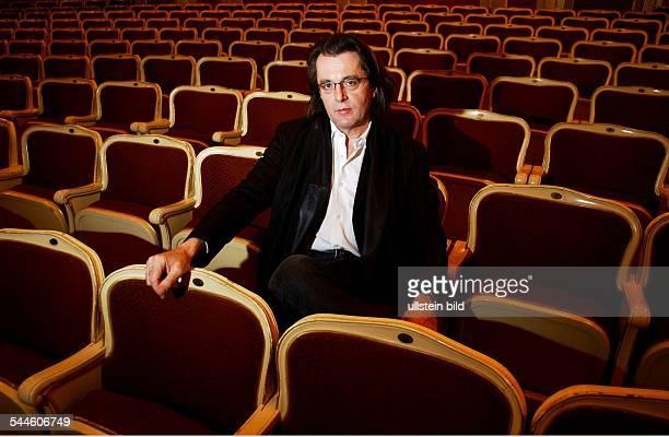 Pascal Dusapin Komponist Frankreich im Zuschaurraum in der Staatsoper Unter den Linden in Berlin