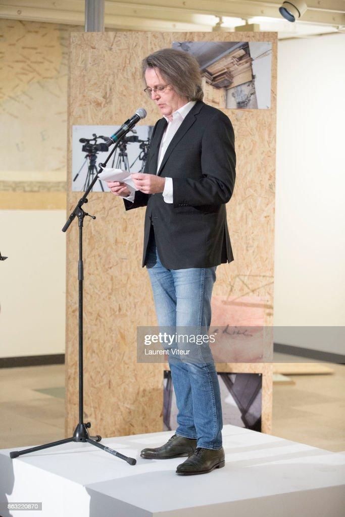 """'Tombeau Pour Cinq Cent Mille Soldats"""" : Exhibition At Galerie Azzedine Alaia In Paris : News Photo"""
