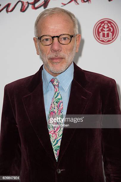 Pascal Greggory attends the diner 'sauver la vie' Eric Pfrunder Hosts 'Sauver La Vie' Diner for Paris Descartes Fondation at Pavillon Ledoyen on...