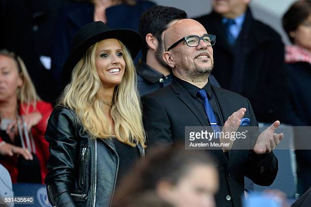 Pascal Obispo and his wife Julie Hantson attend the Ligue 1 game between Paris SaintGermain and FC Nantes at Parc des Princes on May 14 2016 in Paris...