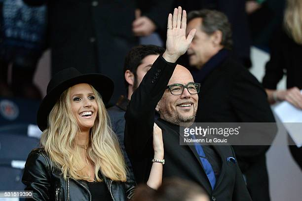 Pascal Obispo and Julie Hantson during the football french Ligue 1 match between Paris SaintGermain and FC Nantes at Parc des Princes on May 14 2016...