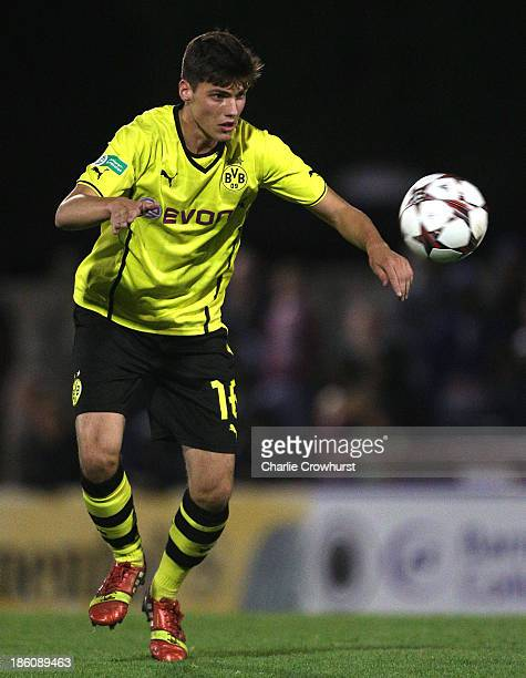 Pascal Stenzel of Borussia Dortmund attacks during the UEFA Youth League match between Arsenal U19 and Borussia Dortmund U19 at Meadow Park on...