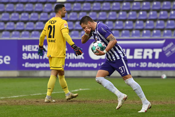 DEU: FC Erzgebirge Aue v FC St. Pauli - Second Bundesliga