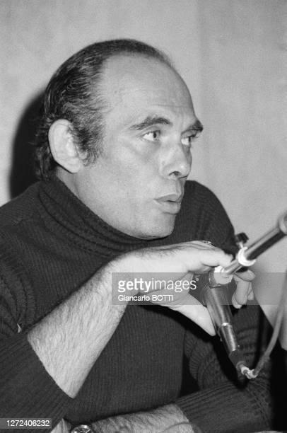 Pasquale Squitieri lors d'une conférence de presse le 8 novembre 1977