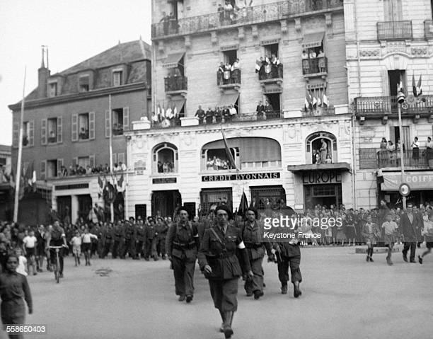Passage des FFI Place Victor Hugo à Vichy France circa 1940
