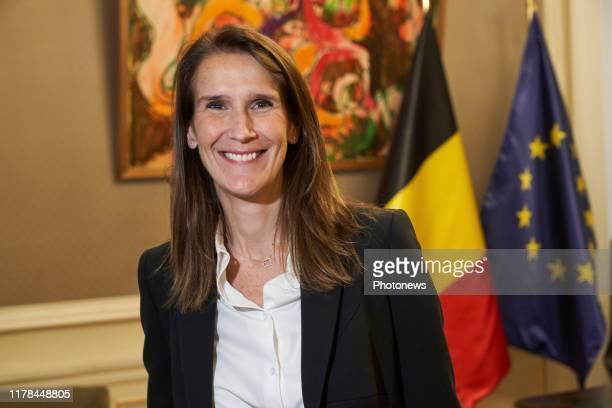 Passation de pouvoir entre Charles Michel et Sophie Wilmes nouvelle premier ministre Machtsoverdracht tussen Charles Michel en Sophie Wilmes nieuwe...