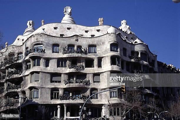 Passeig de Gracia : Casa Mila - 1999
