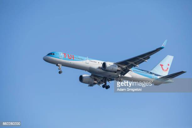tui-passagierflugzeug - tui ag stock-fotos und bilder
