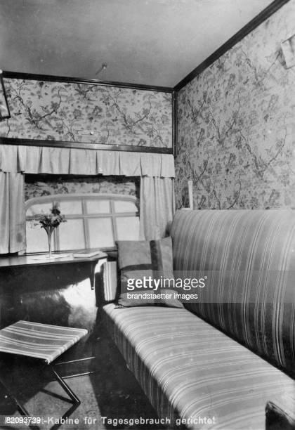 Passenger cabin of the airship LZ127 'Graf Zeppelin' prepared for daily use Photograph 1928 [Eine Passagierkabine des Luftschiffs LZ127 'Graf...