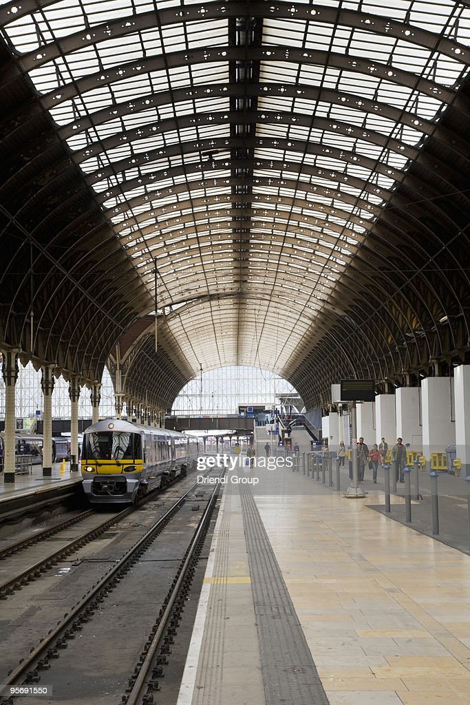A passenger platform in Waterloo Station. : Stock Photo