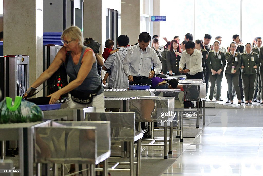 Vietnam Airlines Operations At Tan Son Nhat International Airport : News Photo