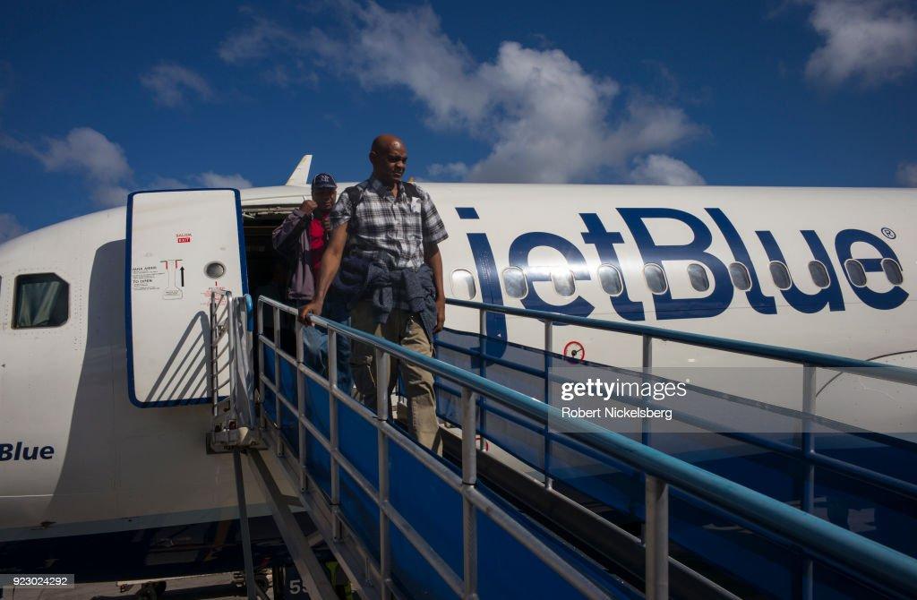JetBlue Airways Flight Arrives In Grenada : ニュース写真