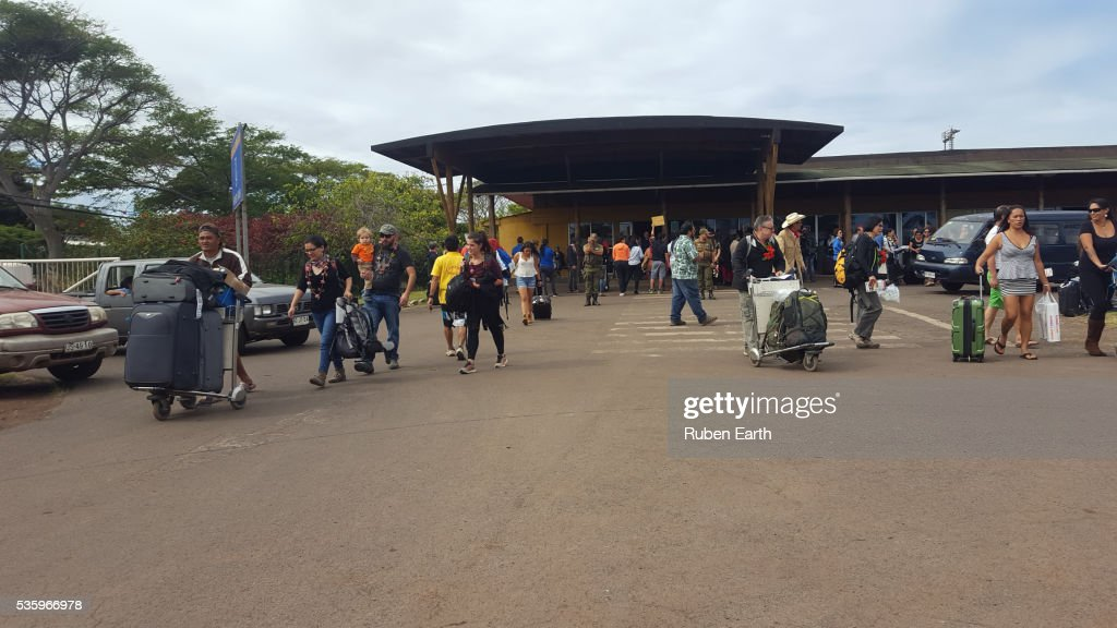 Passengers arriving to Mataveri airport : Stock Photo