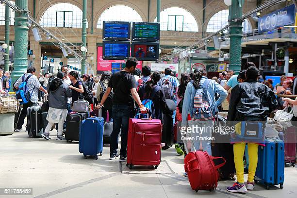 passengers at gare du nord train station, paris - gare du nord stock pictures, royalty-free photos & images