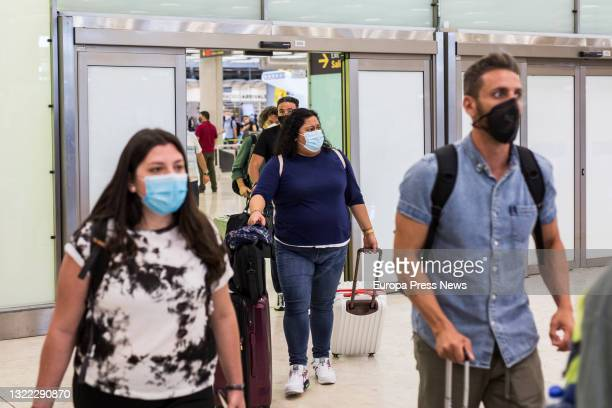 Passengers from New York on their arrival at the facilities of Terminal T4 of the Adolfo Suarez Madrid-Barajas Airport, on 7 June, 2021 in Madrid,...