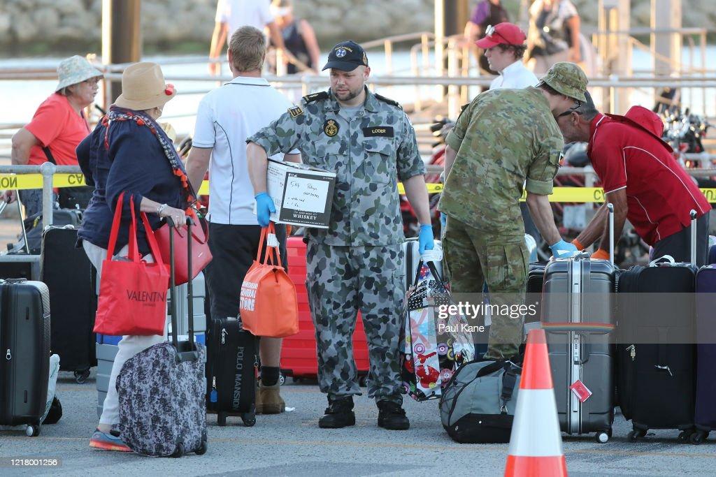 Cruise Ship Passengers Quarantined On Rottnest Island Return To Mainland : ニュース写真