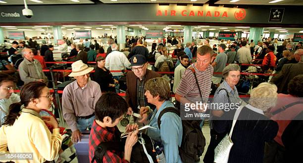 AIRPORT 2 / 09/17/01 Passengers leaving on domestic flights from Terminal 2 at Toronto's Pearson airport faced long lines and huge delays So many...