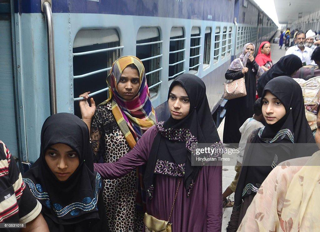 Passengers of Samjhauta Express arrive at Attari Railway Station from Pakistan at Attari on September 26 2016 near Amritsar India Samjhauta Express a.