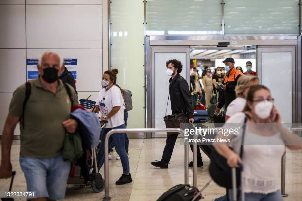 Passengers on a flight from Quito on their arrival at the facilities of Terminal T4 of the Adolfo Suarez Madrid-Barajas Airport, on 7 June, 2021 in...
