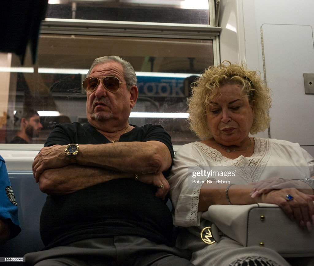 Passengers Ride The New York City Subway : News Photo