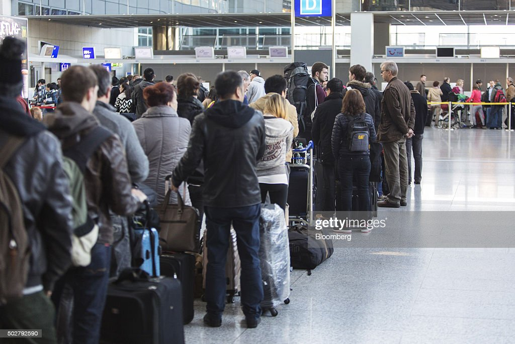 Post Christmas Travel And Flight Operations At Frankfurt Airport : News Photo