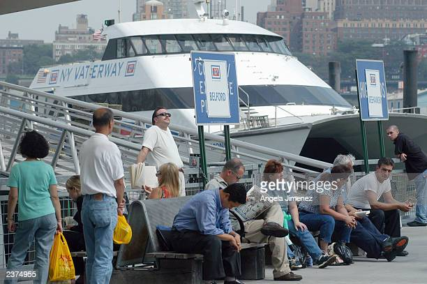 42 Wall Street Ferry Pier Pictures, Photos & Images - Getty