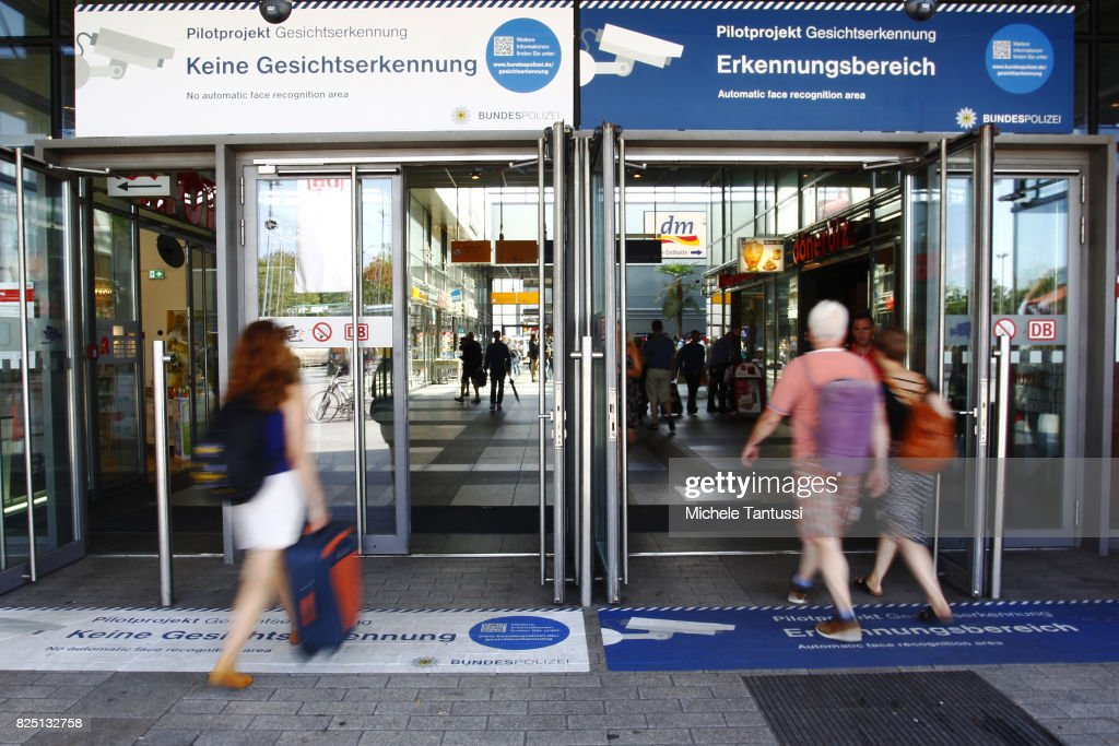 Police Test Facial Recognition Software At Berlin Train Station : Nachrichtenfoto