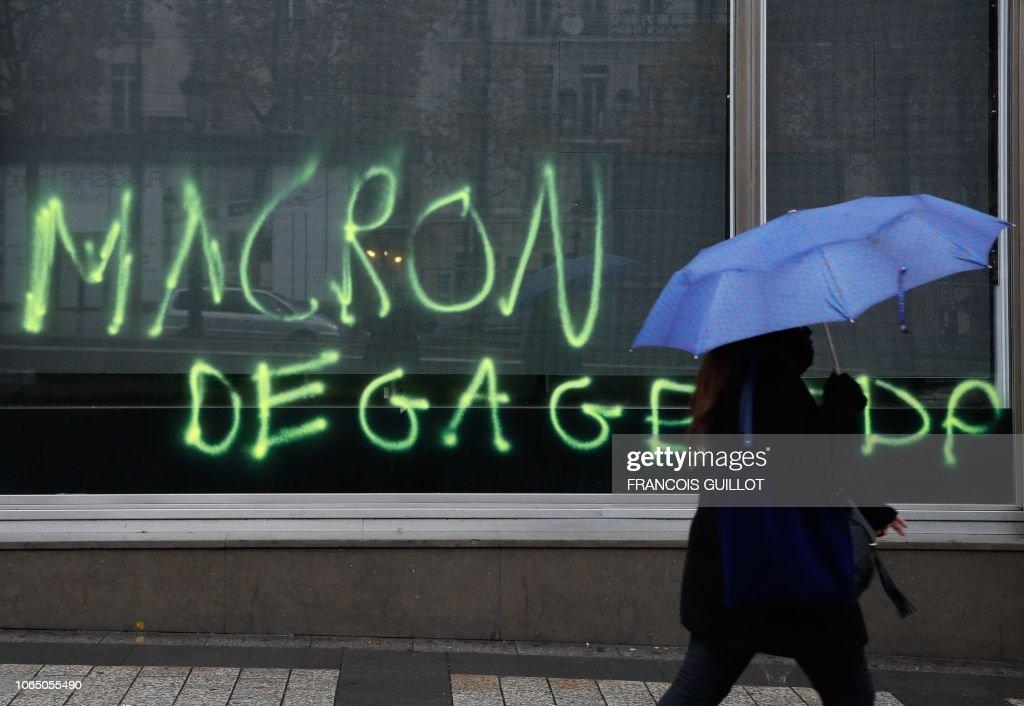 FRANCE-POLITICS-SOCIAL-ENVIRONMENT-OIL-PROTEST : News Photo