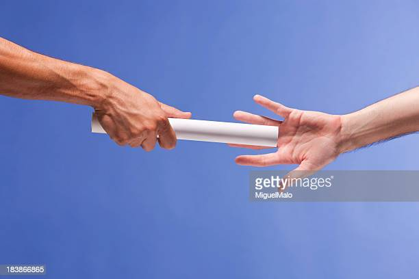 passing the baton - passing sport stockfoto's en -beelden