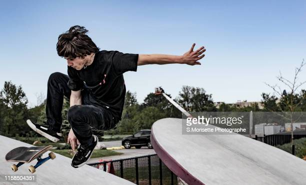 passion of skateboard - half pipe stock pictures, royalty-free photos & images