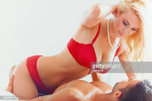 passionate couple - verliefd worden stockfoto's en -beelden