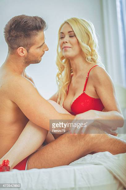 passionate couple - images 個照片及圖片檔