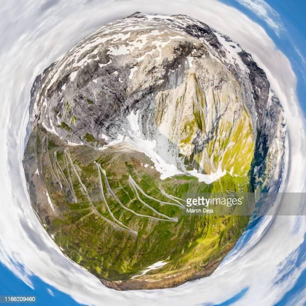 passo dello stelvio 360° hdr little planet - hdri 360 ストックフォトと画像