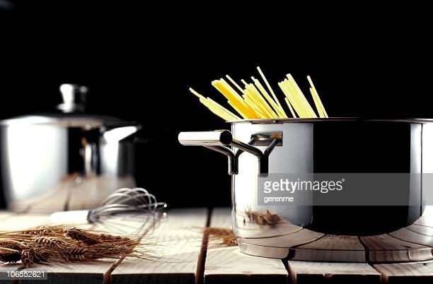 pasta baking - saucepan stock pictures, royalty-free photos & images