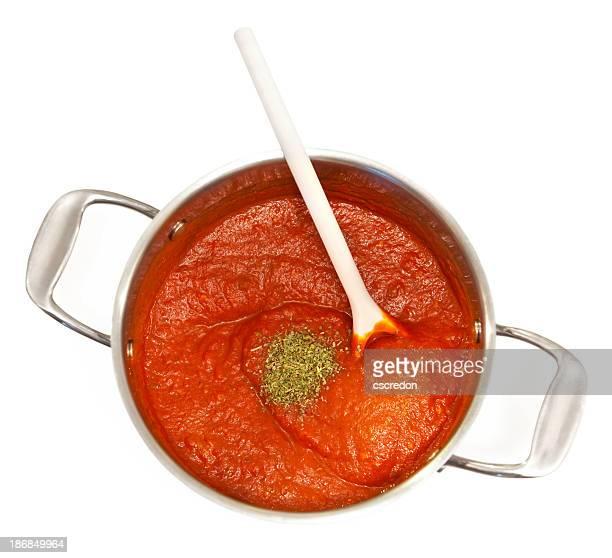 pasta sauce in pot