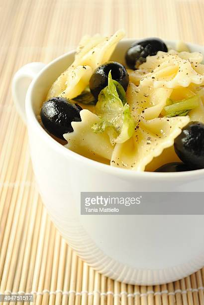 Pasta with Lettuce, Black Olives and Pepper