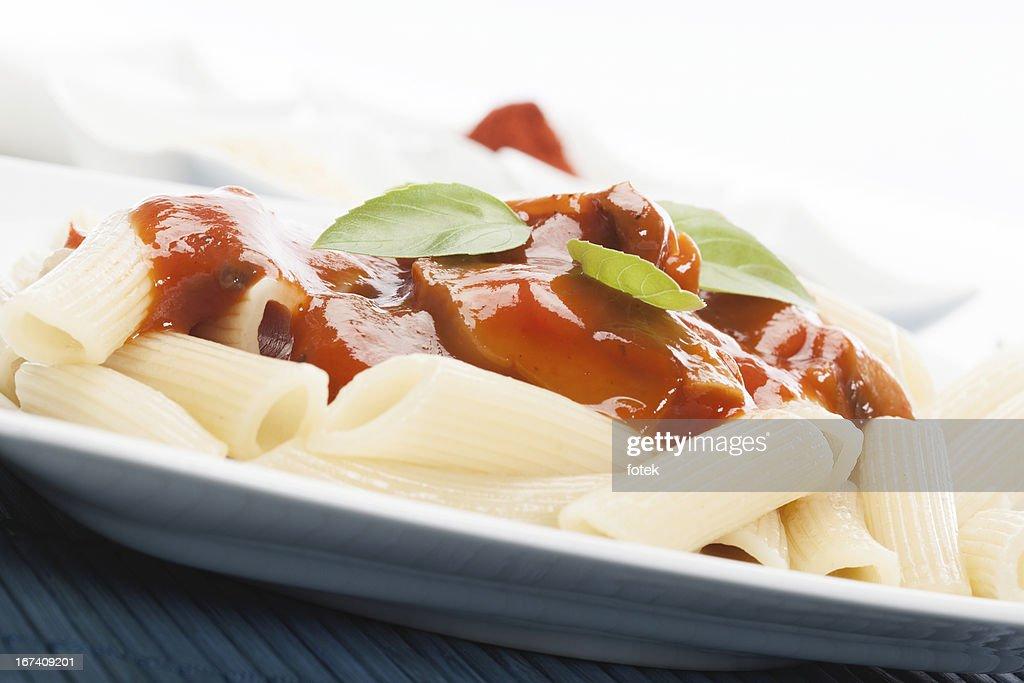 Nudeln mit Tomaten sauce : Stock-Foto
