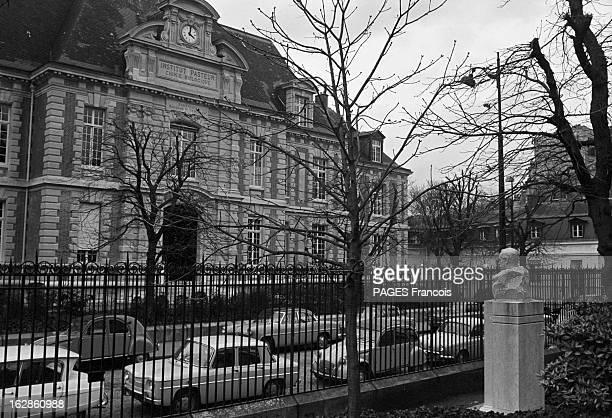 Pasteur Institute En novembre 1965 L'INSTITUT PASTEUR centre de recherche et d'enseignement siégeant à Paris au 28 rue du Docteur Roux se consacre à...