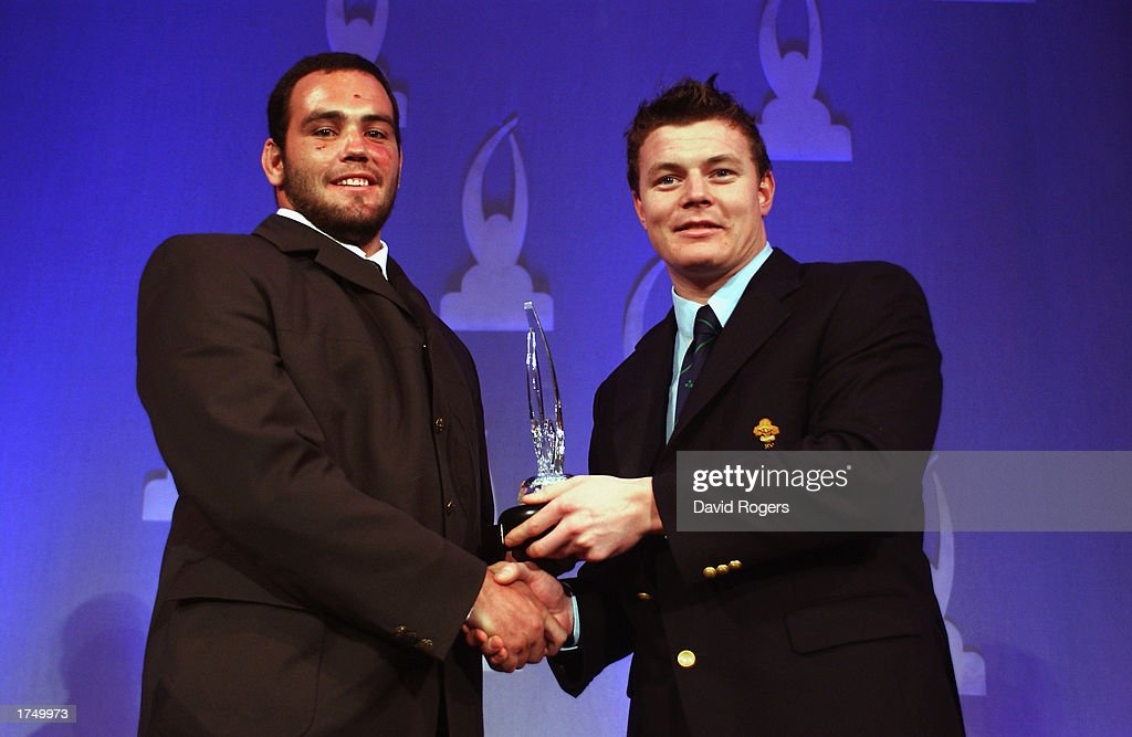Pat Barnard of South Africa recieves IRB Under 21 player of the year award from Brian O'Driscoll of Ireland : News Photo