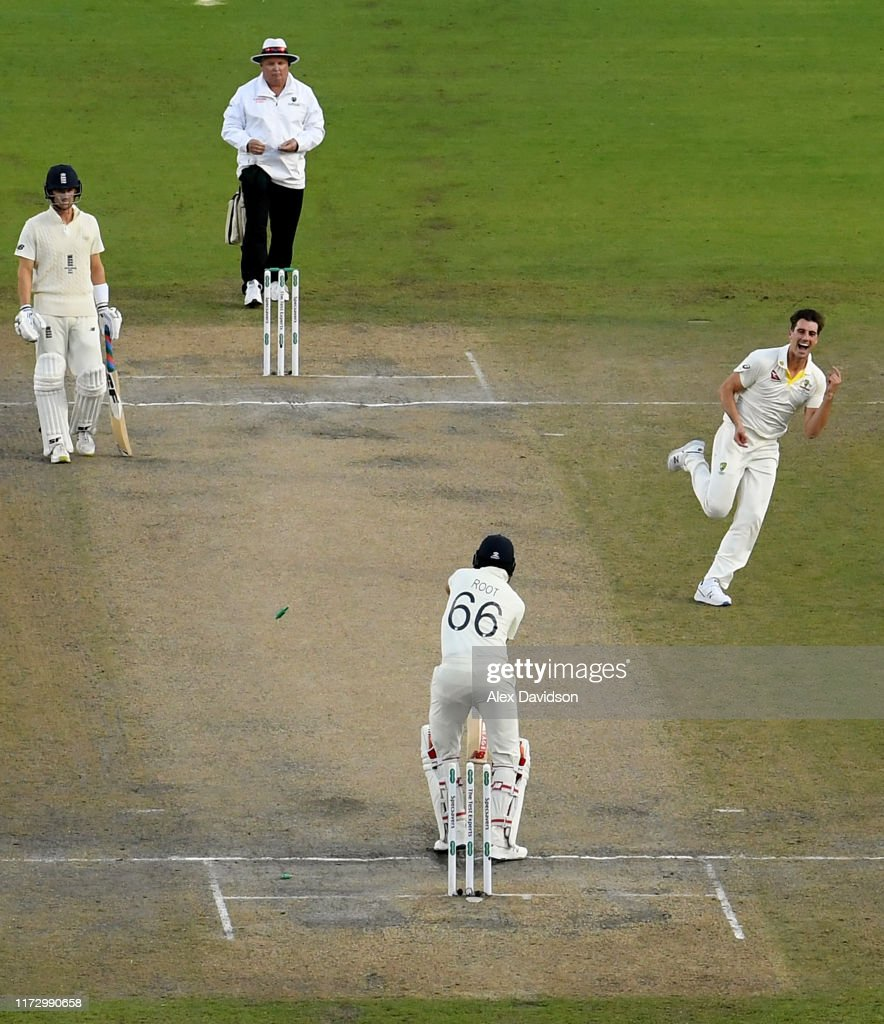 England v Australia - 4th Specsavers Ashes Test: Day Four : News Photo