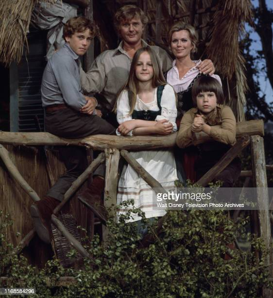 Pat Delany Martin Milner Willie Aames Helen Hunt Eric Olson promotional photo for the ABC tv series 'Swiss Family Robinson'